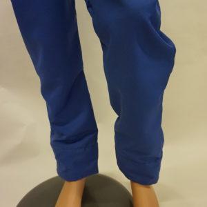 Broek donker blauw recht met tricot sluiting aan broekspijp